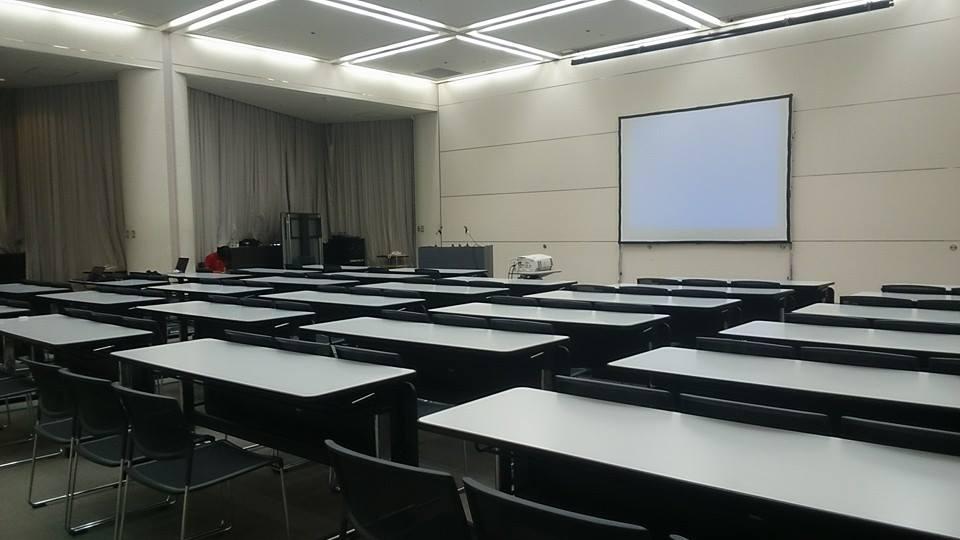 会場の部屋。秋のwcanは部屋が分散してるから普段のwcanより狭いとは言え大きい...