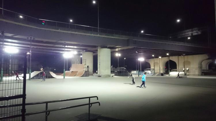 新横浜公園スケボー広場