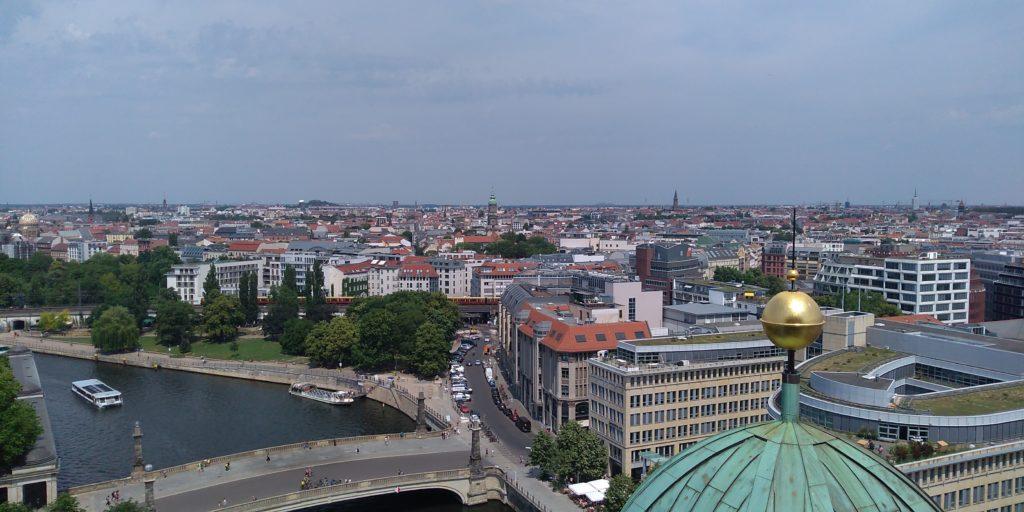 ベルリン大聖堂の屋上から見渡すベルリン市内